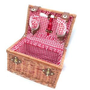 VINTAGE wicker rattan picnic basket wine glasses
